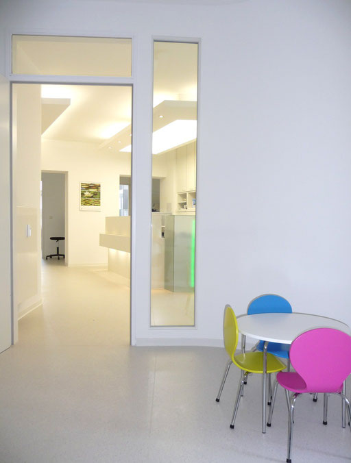 Praxis Dr. Regina Busch Augenarzt Berlin Augenärztin, Sprechzimmer, Kinderecke