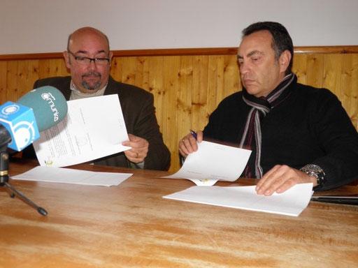 José Antonio Laguna y Juan Miguel Granados firman el convenio de colaboración