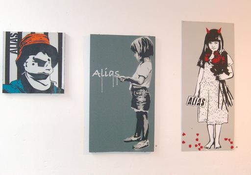 Ein Bild der Street Art Ausstellung in der Galerie Tristesse Berlin. Der Künstlet heißt ALIAS.