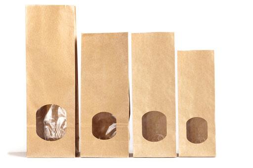 Teetüten oder auch Blockbodenbeutel aus Papier mit Fenster und Innenfolie