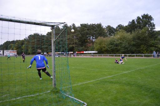 Luka Marquardt, hier bei der Vorbereitung des 3:0, erzielte das 1:0 und 4:0 selber.