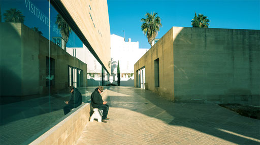 modern visitorcenter in old town Cordoba 2
