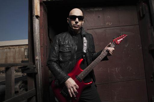 Gitarrenhexer Joe Satriani kommt nach Bochum. Foto: Chapman