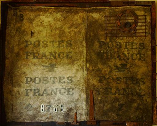"""""""A lettera"""" 150/120.Sac de jute contrecollé sur bois, métal."""