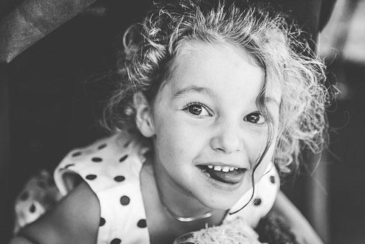 Werbemodel Madlen als Kindermodel für Oma's Kartofellverkauf.