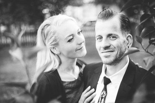 Paarbilder, Paerchenfotos, Shooting im Landhaus Suekow eines Hochzeitsfotografen mit Fotostudio in Wittenberge (Prignitz).