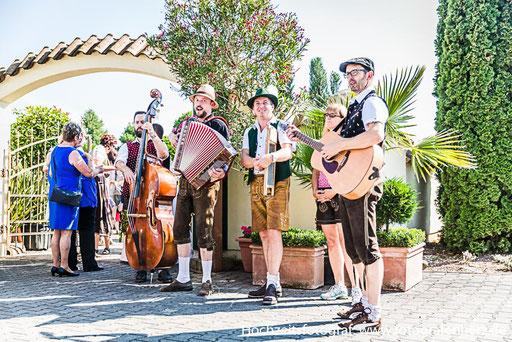 Die bayrische Band TopSound aus Tegernheim auf einer Hochzeit mit mir als Fotografen.
