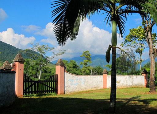 das Wetter klar und sonnig - ein herrlicher Landbesitz ausserhalb von Patany