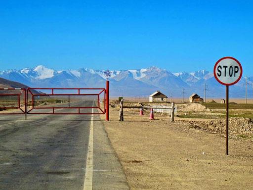 hier begann das endlose Niemandsland zwischen Kirgistan und China