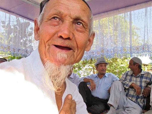 der Familien-Patriarch mit 96 Jahren genoss die Aufmerksamkeiten der vielen Verwandten