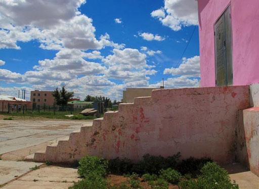 Mandalgov eine Provinzstadt am Rand der unendlichen mongolischen Steppe