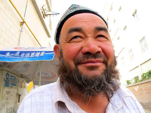 ein uigurischer Obsthändler