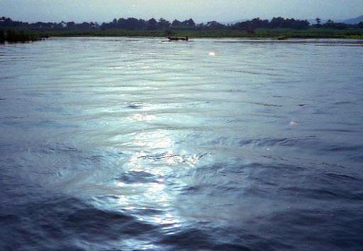 der Nil so breit und blau wie ein bayerischer See