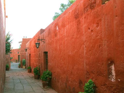 ein Labyrinth an Gassen und kleinen Innenhöfen sorgt für dauernde Spannung...