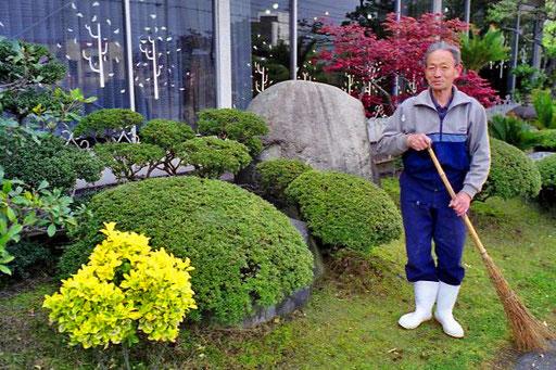 die Garten-Arbeit wurde zelebriert wie eine Messfeier