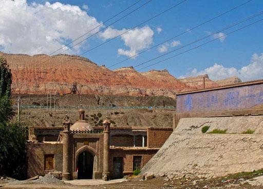 früher eine bedeutende Moschee an der Seidenstrasse - heute kaum mehr beachtet