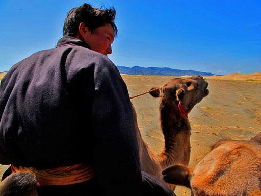 Noyan - der älteste Nomadensohn führte die Kamele