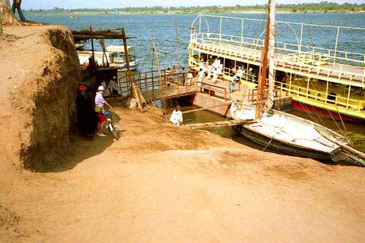 einchecken zur Nil-Überquerung