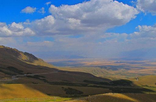 Blick zurück auf das schöne Ala-Bel-Tal - hier nahm ich emotional  Abschied von Kirgistan