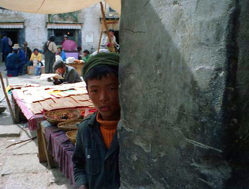 ein Junge am Barkhor