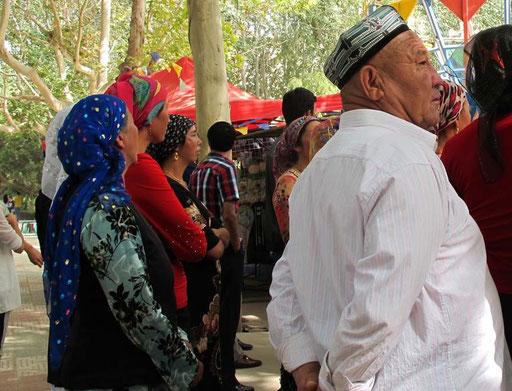 für die Uiguren vom Land ein Riesen-Spektakel