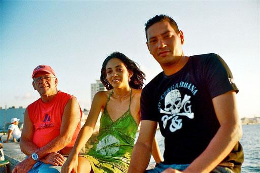 drei Dinge braucht der Kubaner: Zigarren, Rum und eine schöne Frau