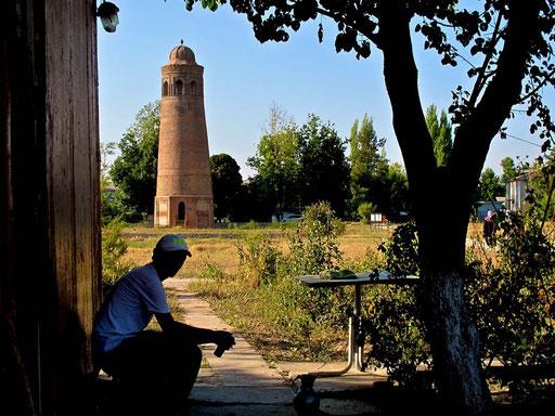 Sherzo bewachte die antiken Anlagen von Osgon