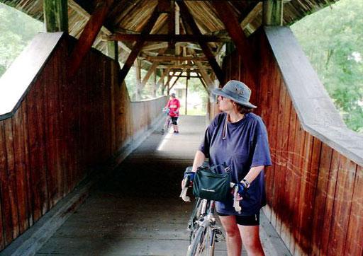auf einer historischen Brücke hinter Landeck kamen wir auf die rechte Innseite