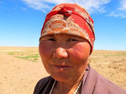 im Blick dieser Nomadin war Stolz und Zufriedenheit zu erkennen
