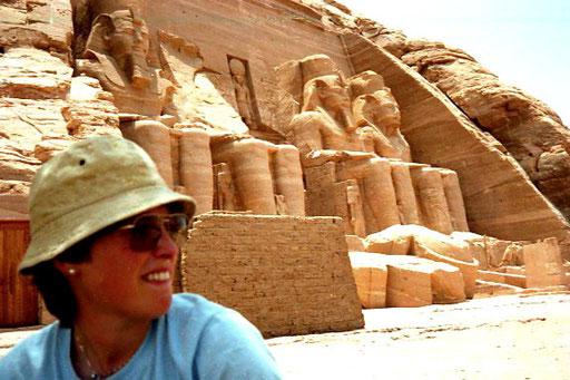 die Götter der Ägypter - Ramses II und seine Gemahlin Nefertari