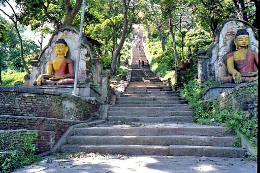 365 Stufen führen zur Tempelanlage hinauf