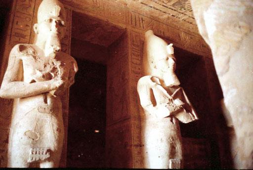 in der Pfeiler-Halle des grossen Tempels in Abu Simbel