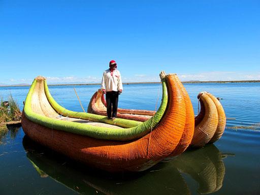 die Schilf-Boote die auch Thor Heyerthal inspirierten