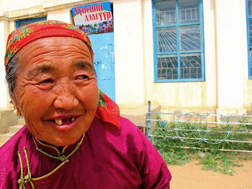 eine freundliche Nomadin - die sich darüber freute - dass ich sie photographierte