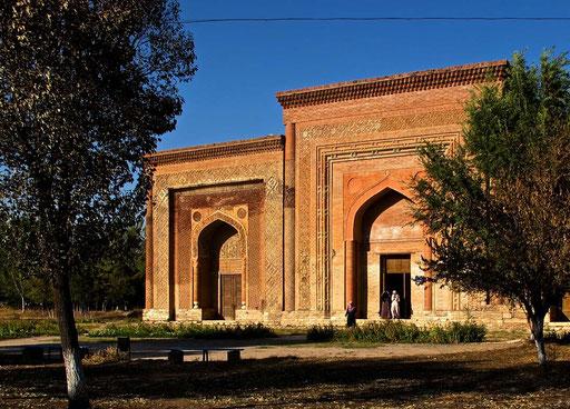 drei Mausoleuen aus dem 12. Jhd.