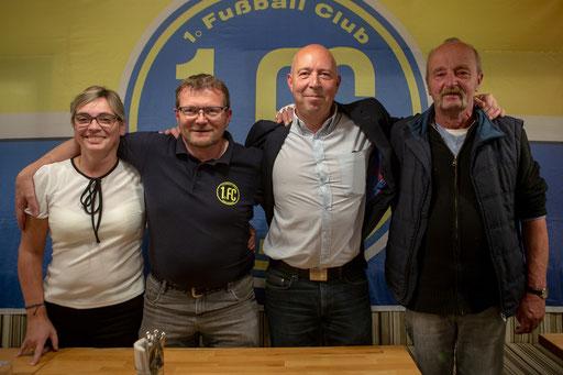 Der neue Vorstand des 1. FC Solingen v. l.: Anni Becher, Frank Litke, Peter Deutzmann und Ditmar Schneider (Foto: 1. FC Solingen Media Team)