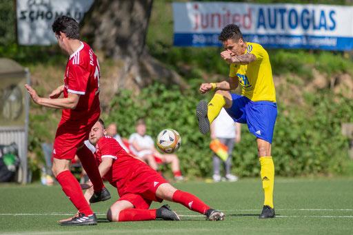 Hakiri traf heute zum 2:0 und hatte noch mehrere Hundertprozentige auf dem Fuß (Foto: 1. FC Solingen / deutzmann.net)