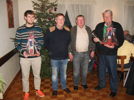 Mirco Siebcke, Sponsor Jürgen Kuhr, KSO Reinhold Lange und Klaus Stawinski (von links).