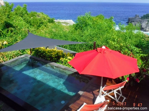 Ceningan Island wooden villa for sale with spectacular ocean views