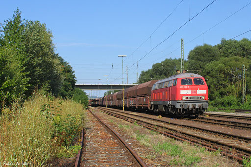 218 009 mit GM 62858 Dillingen Hütte - Karlsruhe Rheinbrücke Raffinerie (Sdl. leere Fal), Karlsruher Güterbahnhof  21.08.2013