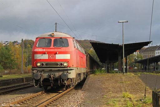 218 003 am 11.11.2016 in Neunkirchen(Saar) Hbf