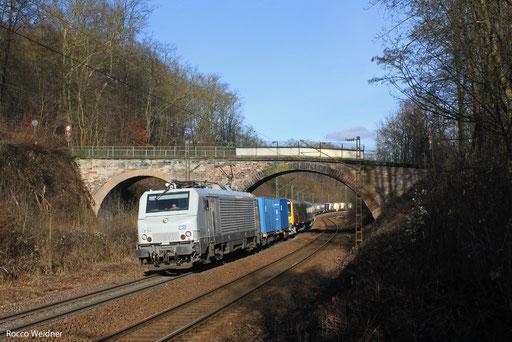 BB37514 mit DGS 44424 Saarbrücken Rbf - Forbach/F (Calais) (Sdl. Überführung British Rail Class 350, 405+404), 30.12.2013