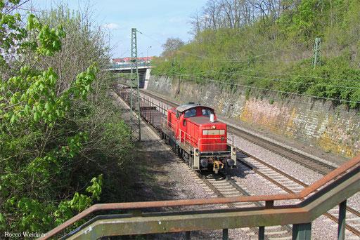 294 640 mit Leerwagen aus der Burbacher Hütte, 11.04.2017