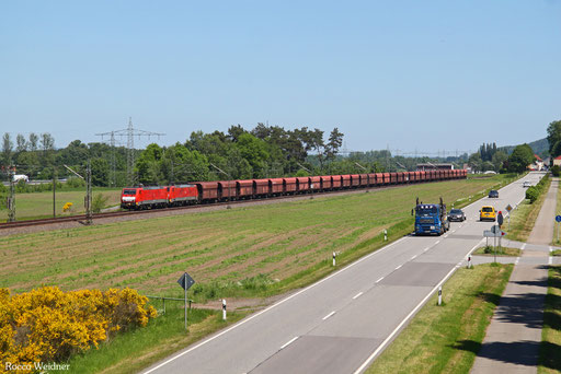 DT 189 040 + 189 042 GM 48721 Maasvlakte Oost - Dillingen Hochofen Hütte, Vogelbach 26.05.2017