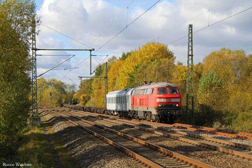 225 073 mit M 62681 Hauptstuhl - Nordenham (Sdl. Militärleerwagen), 02.11.2016