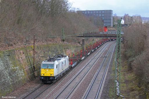 186 168 mit GM 98418 (Meckelfeld) Maschen Rbf Mswf - Forbach/FR (Scunthorpe/UK) (Sdl. leere Sfins-Wagen), Saarbrücken 07.03.2018