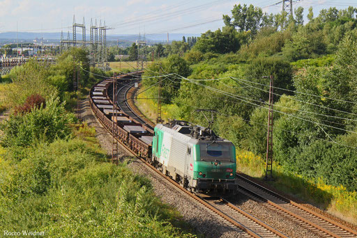 BB37010 mit DGS 44232 Dillingen Zentralkokerei  - Thionville/F , Ensdorf(Saar) 14.08.2016