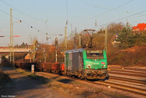BB37009 mit DGS 44254 Dillingen Zentralkokerei - Thionville /FR, Burbach 14.02.2018