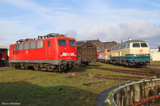 141 366 und 217 014 im DB Museum Koblenz-Lützel, 16.01.2017