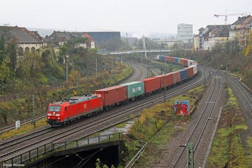 185 068 mit KT 98370 (Oderbrücke) Saarmund - Forbach/F (Dourges Delta 3) (Sdl.KV), Saarbrücken 21.11.2017